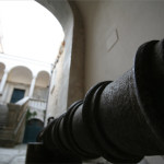 XVII century cannon, entrance to the Castle