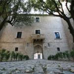 Panoramica dell'ingresso al Castello